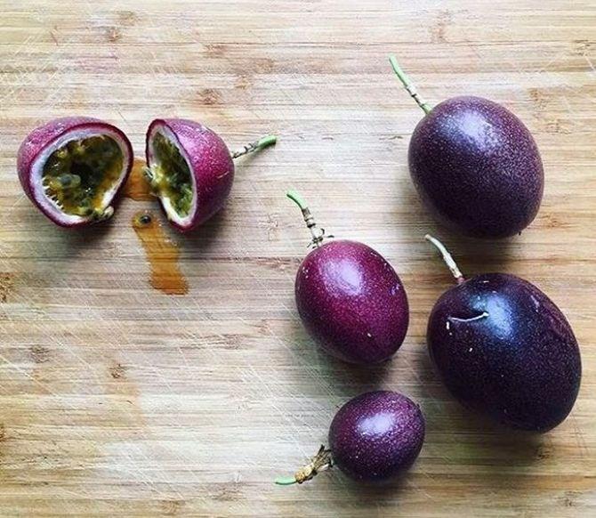 """""""Foto: Reprodução Instagram / Raymund Yusuf"""" Leia mais em: https://www.gazetadopovo.com.br/bomgourmet/frutas-diferentes-coloridas/ Copyright © 2019, Gazeta do Povo. Todos os direitos reservados."""